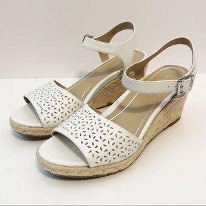 Vionic white Ariel leather wedge sandal size 8